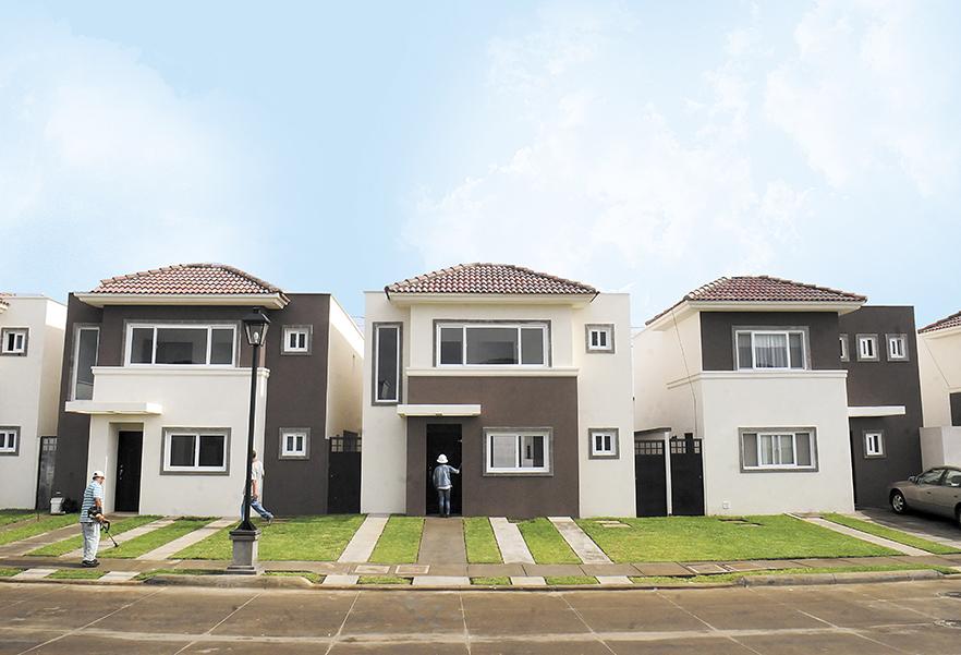 Cien empresas participan en la construcci n de vivienda for Viviendas minimalistas