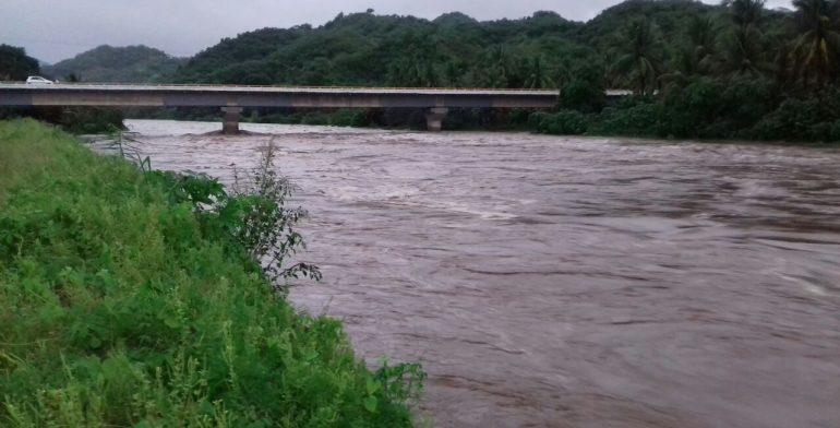 Incrementa Al 90 Nivel Del Rio Acalpican Preocupa A Habitantes