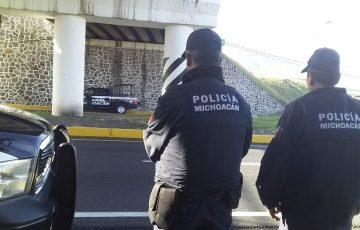Detienen a 2 hombres con armas en Tepalcatepec - Quadratín Michoacán